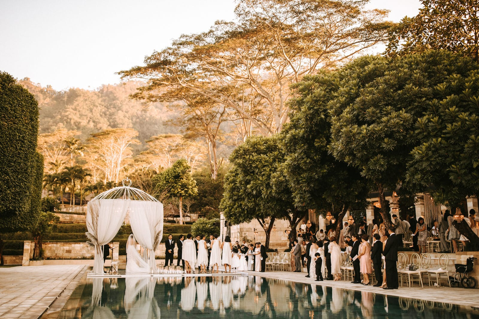 The Amanjiwo Wedding features a swimming pool and a small tent.